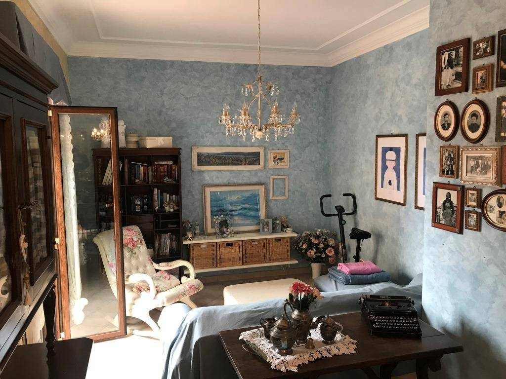 Appartamento in buone condizioni in vendita Rif. 9194199