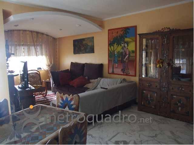 Appartamento in buone condizioni in vendita Rif. 9191505