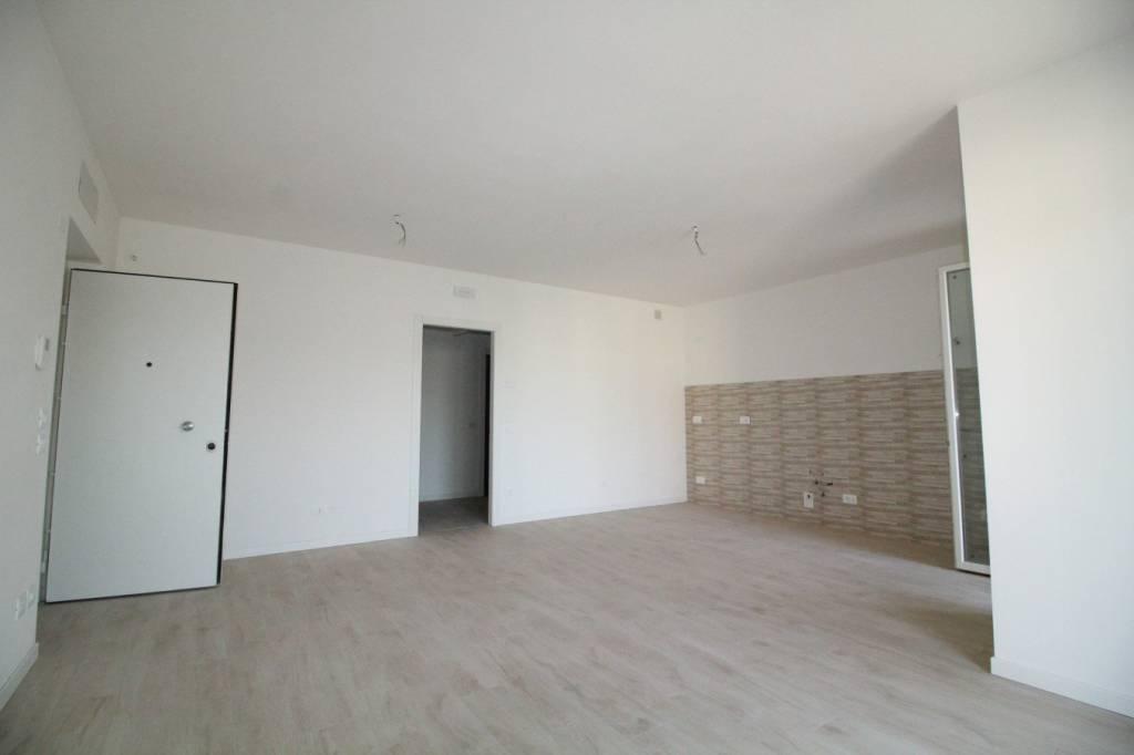 Nuova costruzione. Appartamento al piano primo con 3 camere.
