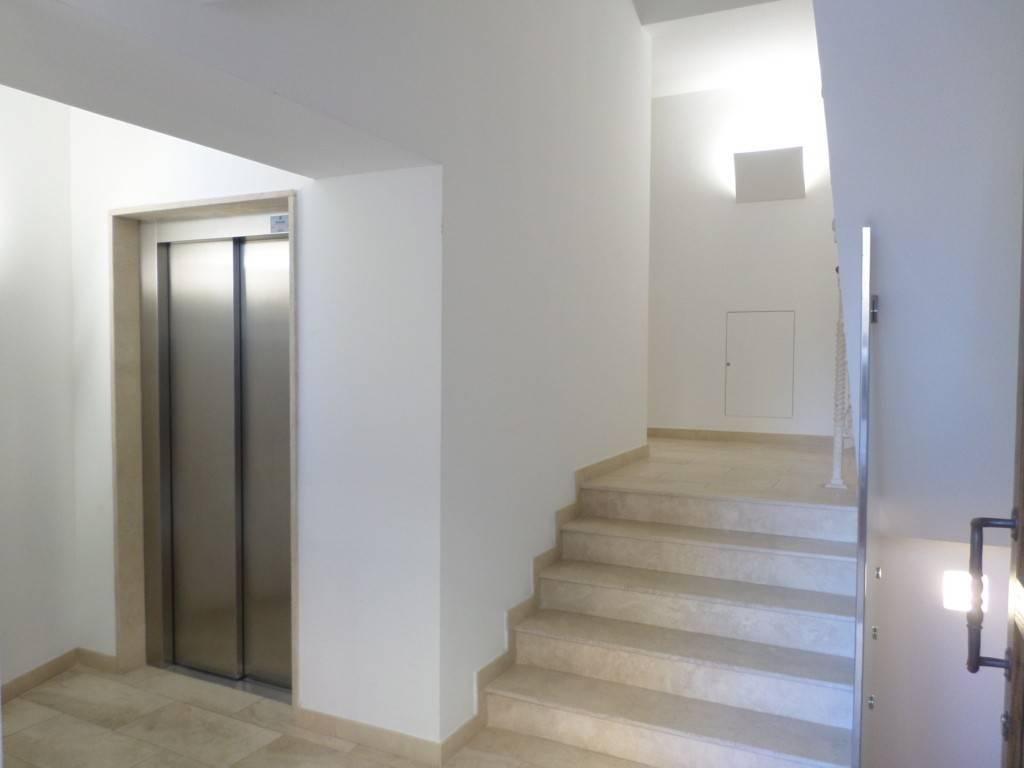 Appartamento in ottime condizioni in vendita Rif. 8607375