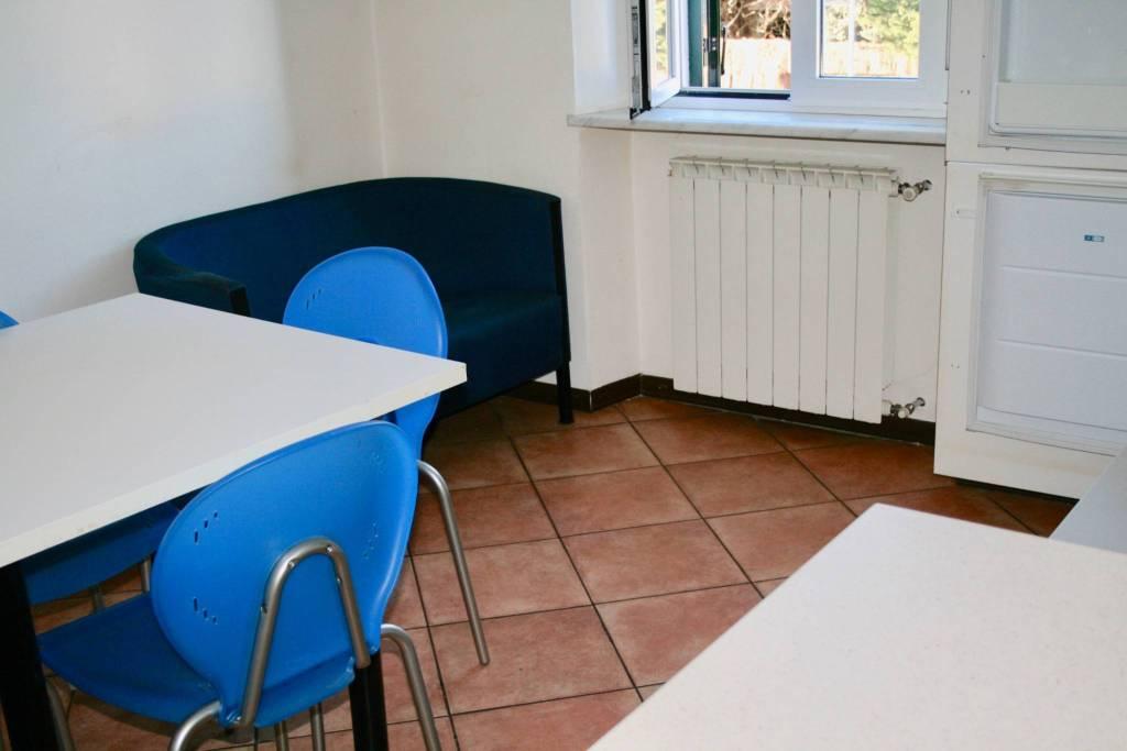 Appartamento in buone condizioni arredato in affitto Rif. 9191484