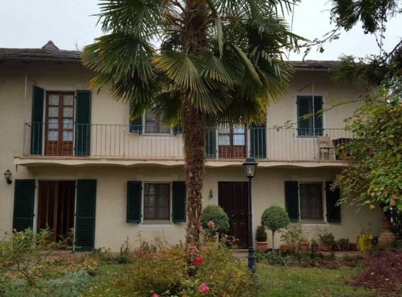 Appartamento in buone condizioni in vendita Rif. 9216517
