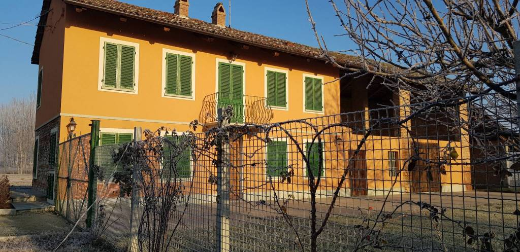 Rustico / Casale in affitto a Priocca, 4 locali, prezzo € 550 | CambioCasa.it
