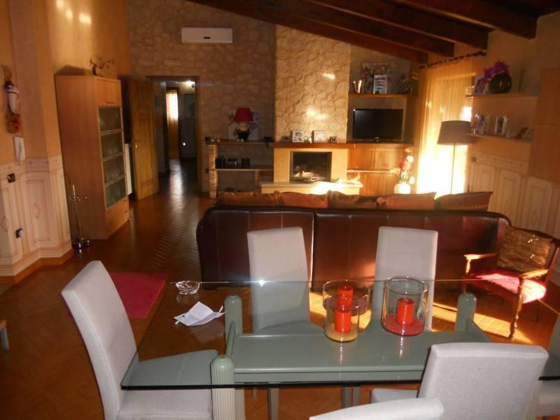 Attico / Mansarda arredato in affitto Rif. 9216264