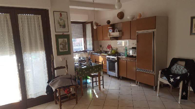 Appartamento trilocale in affitto a Deruta (PG)