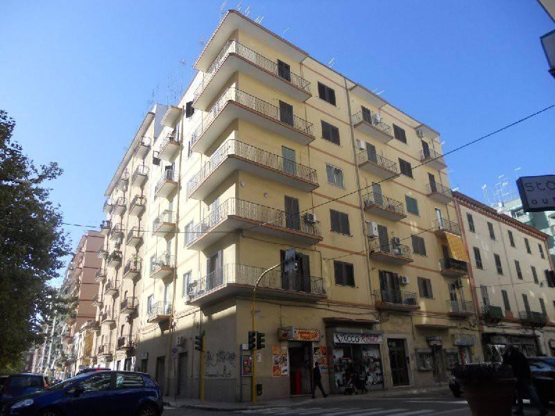 via Cesare Battisti - 3 vani ristrutturato con ascensore