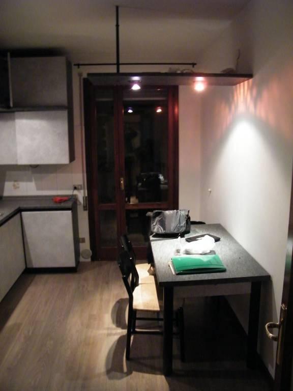 Appartamento in buone condizioni parzialmente arredato in affitto Rif. 9210421
