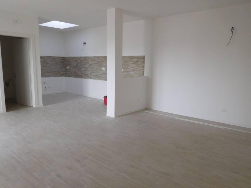 Appartamento in ottime condizioni in vendita Rif. 9215973