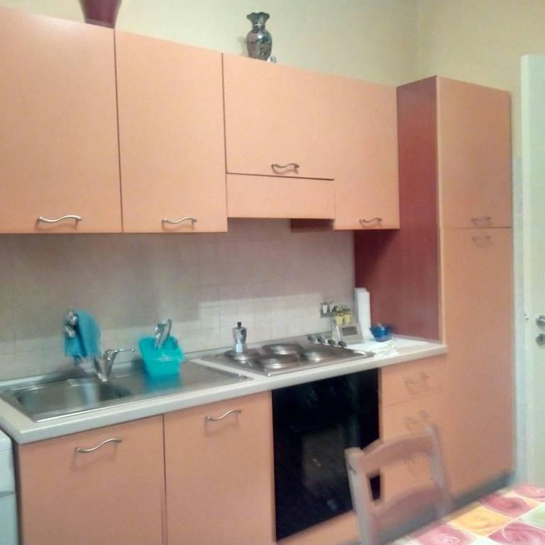 Appartamento in buone condizioni arredato in affitto Rif. 9217069