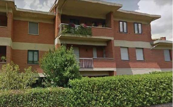 Appartamento in buone condizioni in vendita Rif. 9216510