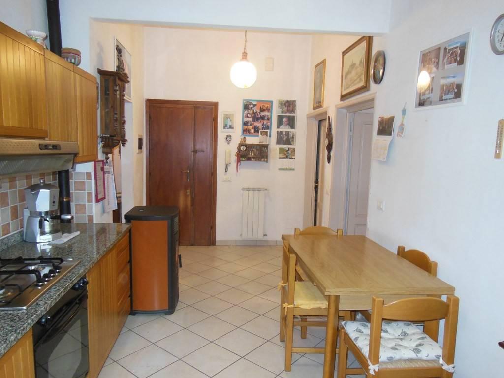 Appartamento in vendita a Dicomano, 5 locali, prezzo € 97.000 | PortaleAgenzieImmobiliari.it