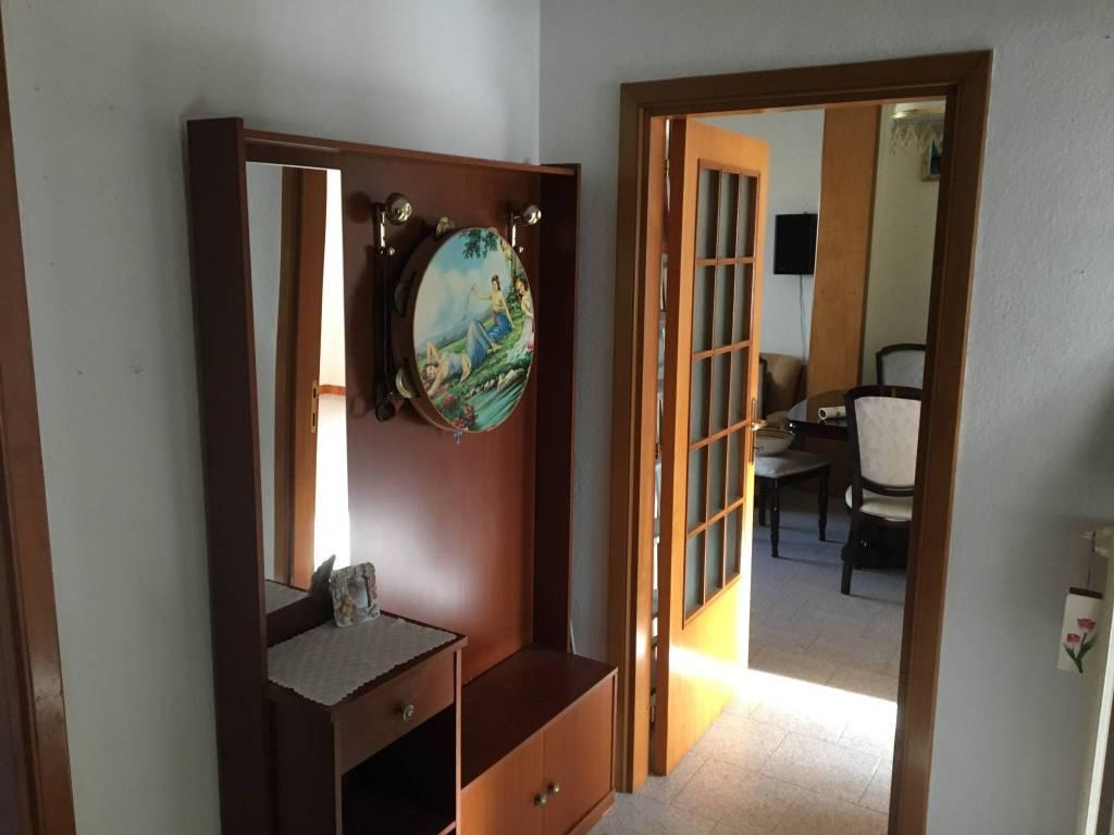 Appartamento da ristrutturare in vendita Rif. 9213991
