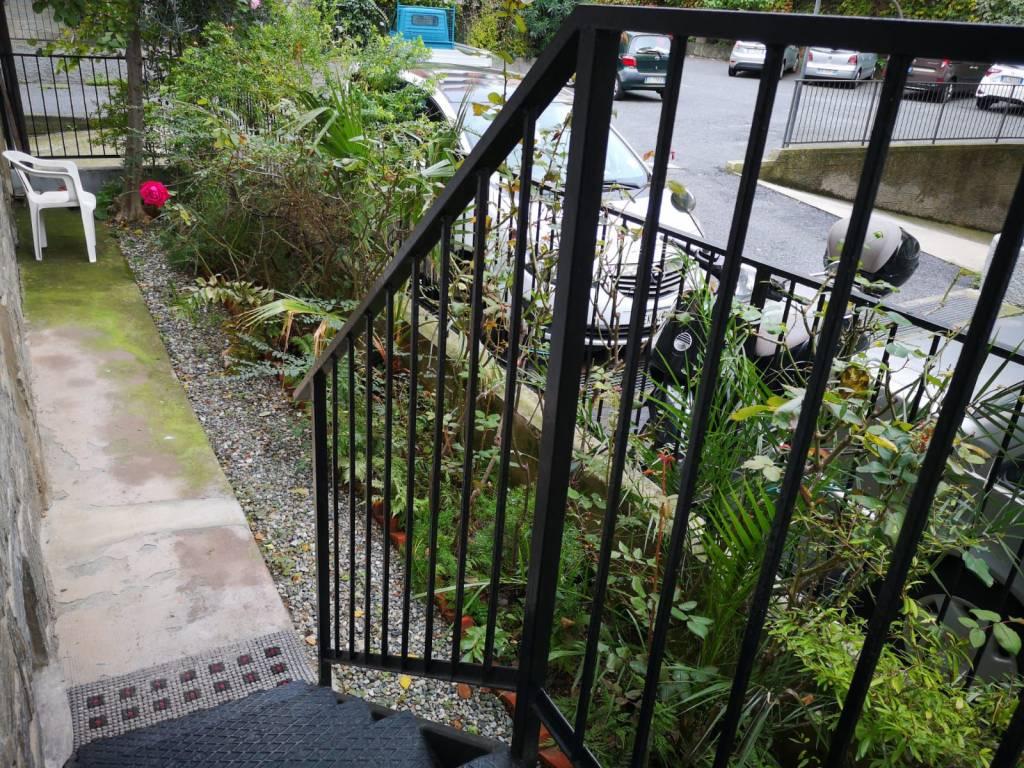 Appartamento in buone condizioni arredato in vendita Rif. 9212033