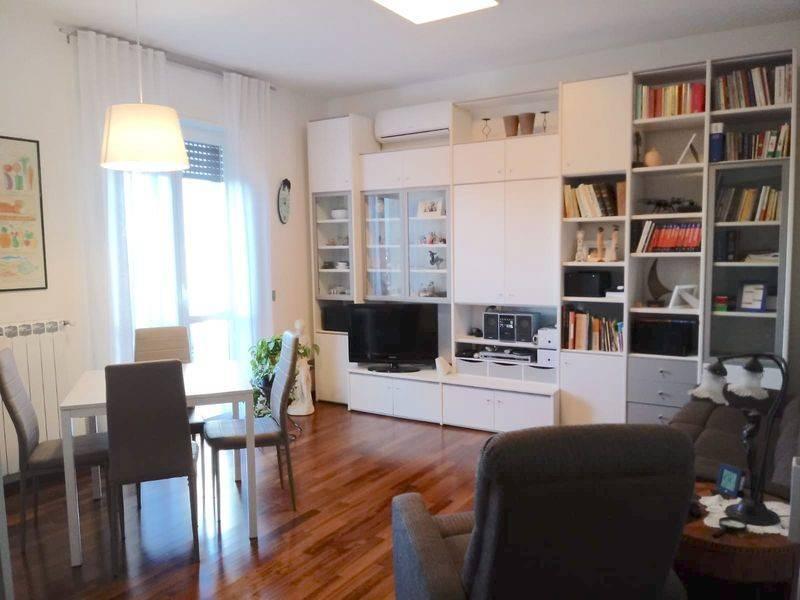Appartamento in ottime condizioni in vendita Rif. 9212288