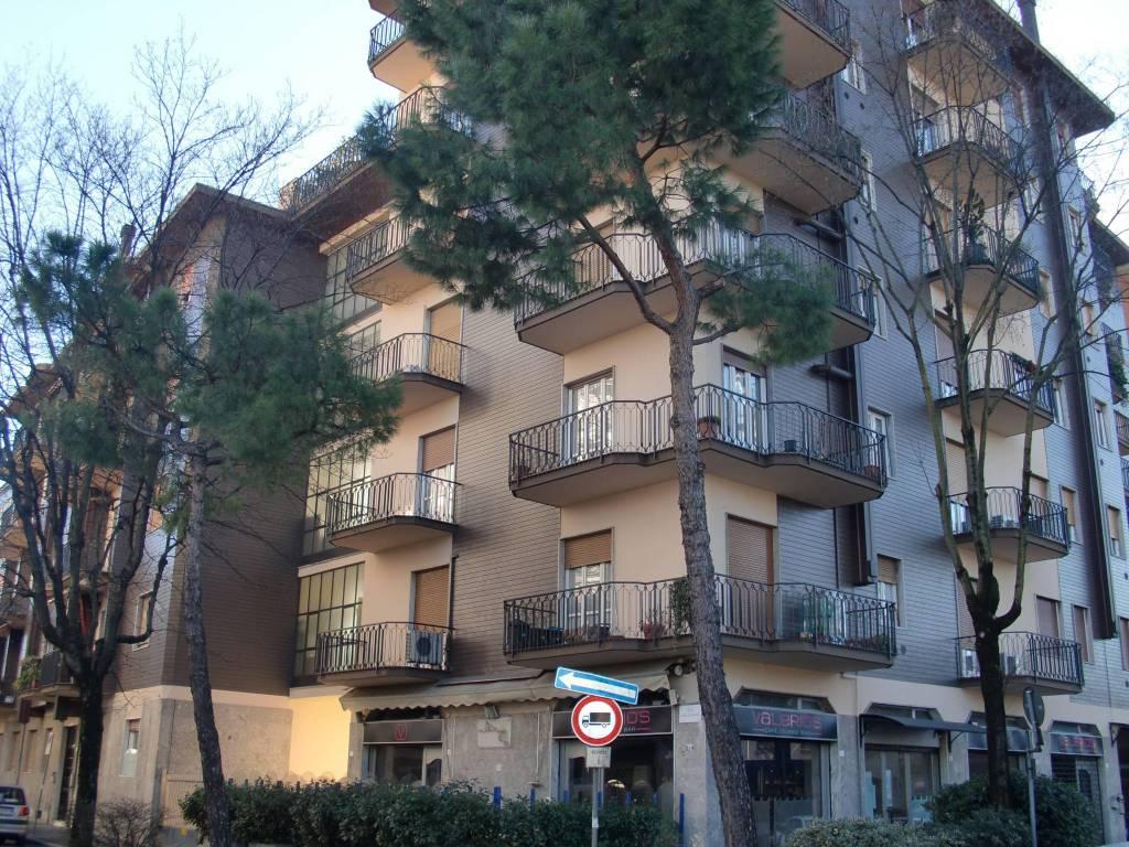 Appartamento in buone condizioni in vendita Rif. 9215694