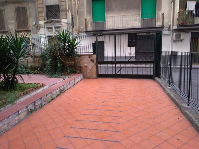 Appartamento in ottime condizioni arredato in affitto Rif. 9381321