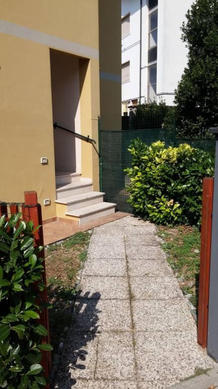 Appartamento in ottime condizioni arredato in affitto Rif. 9213814
