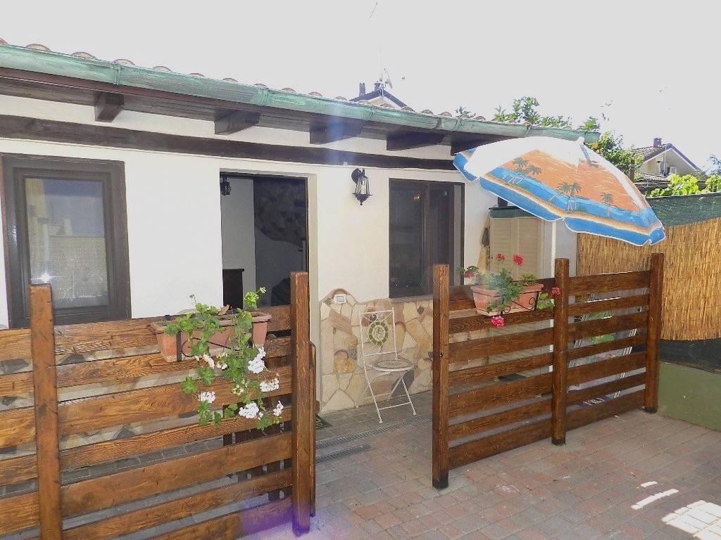 Appartamento in ottime condizioni arredato in affitto Rif. 9210368