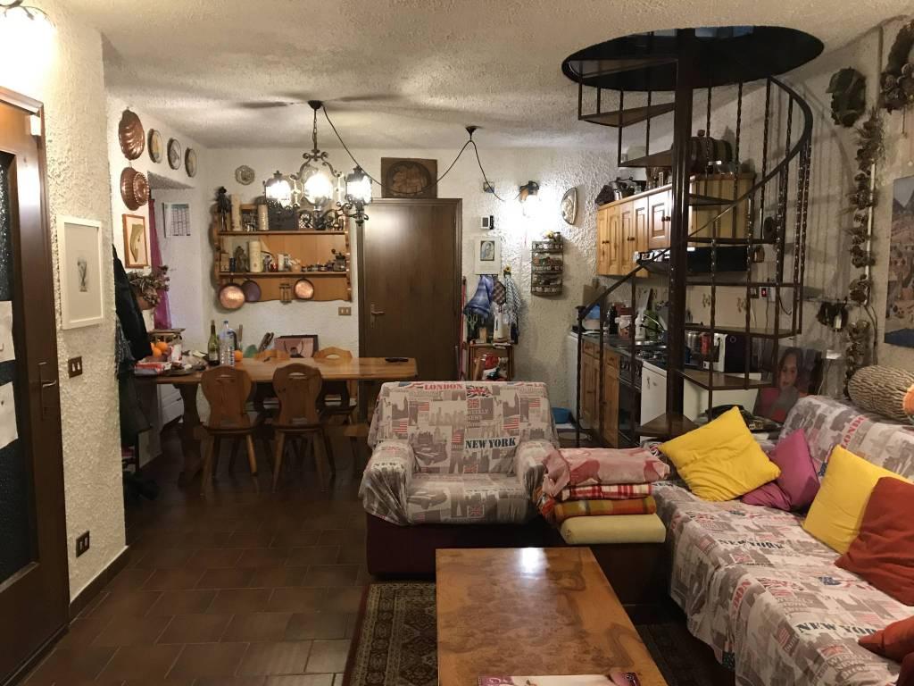 Casa indipendente trilocale in vendita a Caiolo (SO)