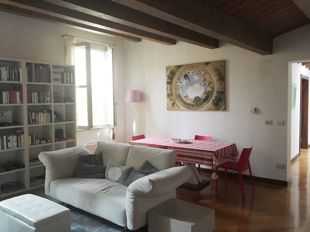 Appartamento in ottime condizioni arredato in affitto Rif. 8242018