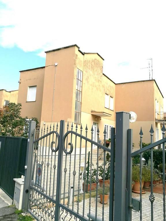 Appartamento da ristrutturare in vendita Rif. 9211038