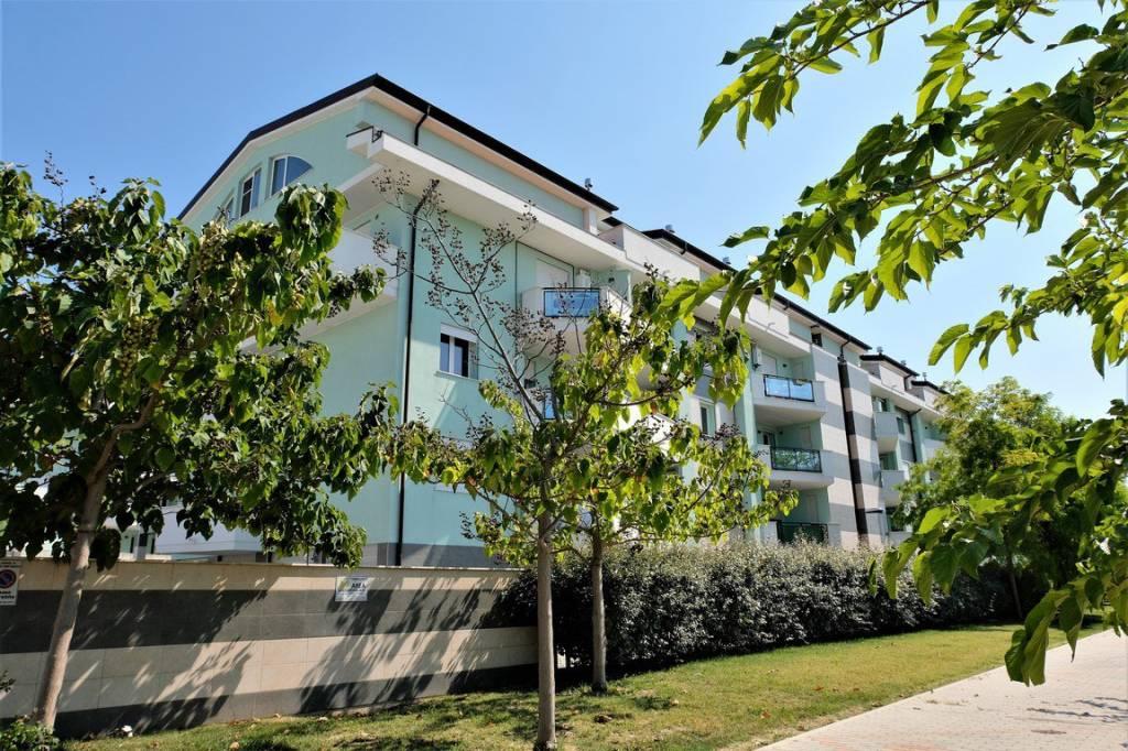 Appartamento in vendita Rif. 9215321