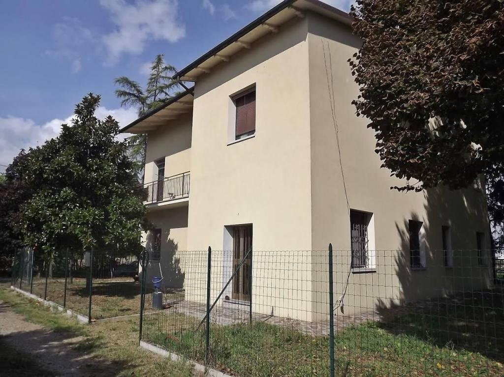 Appartamento in ottime condizioni in vendita Rif. 9217532