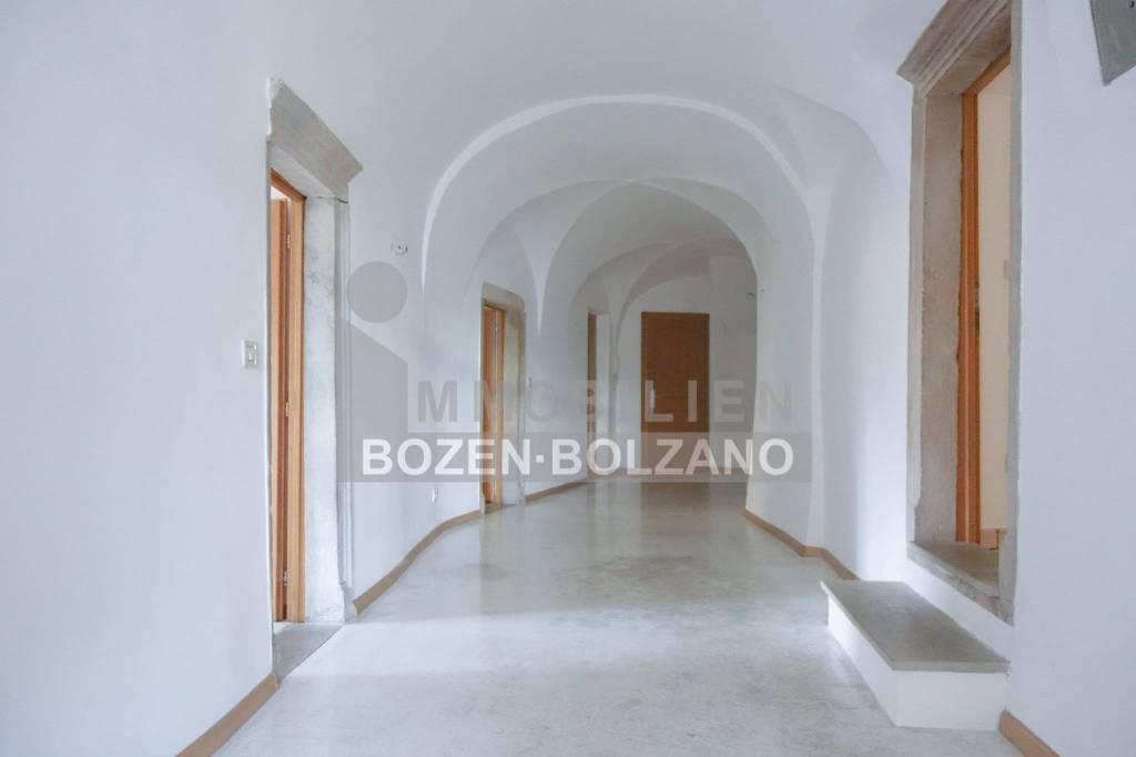 Appartamento spazioso in uno storico edificio sotto tutela i