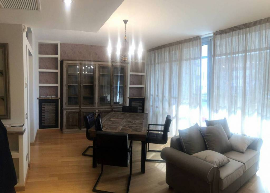 Appartamento in ottime condizioni arredato in affitto Rif. 9212055