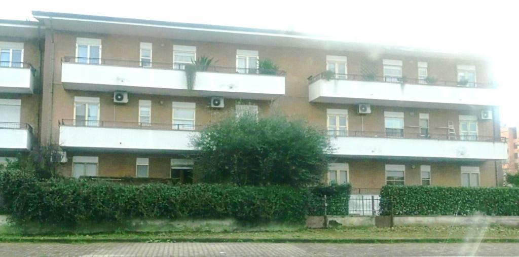 Appartamento in ottime condizioni in vendita Rif. 9211039