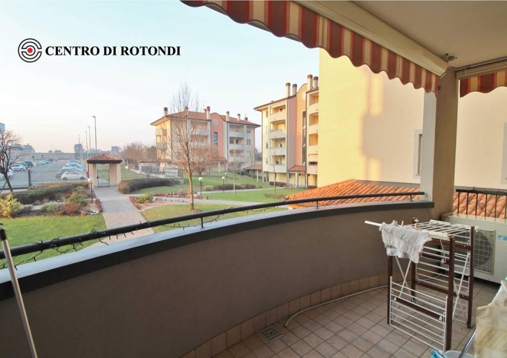 Appartamento in ottime condizioni in vendita Rif. 9212760