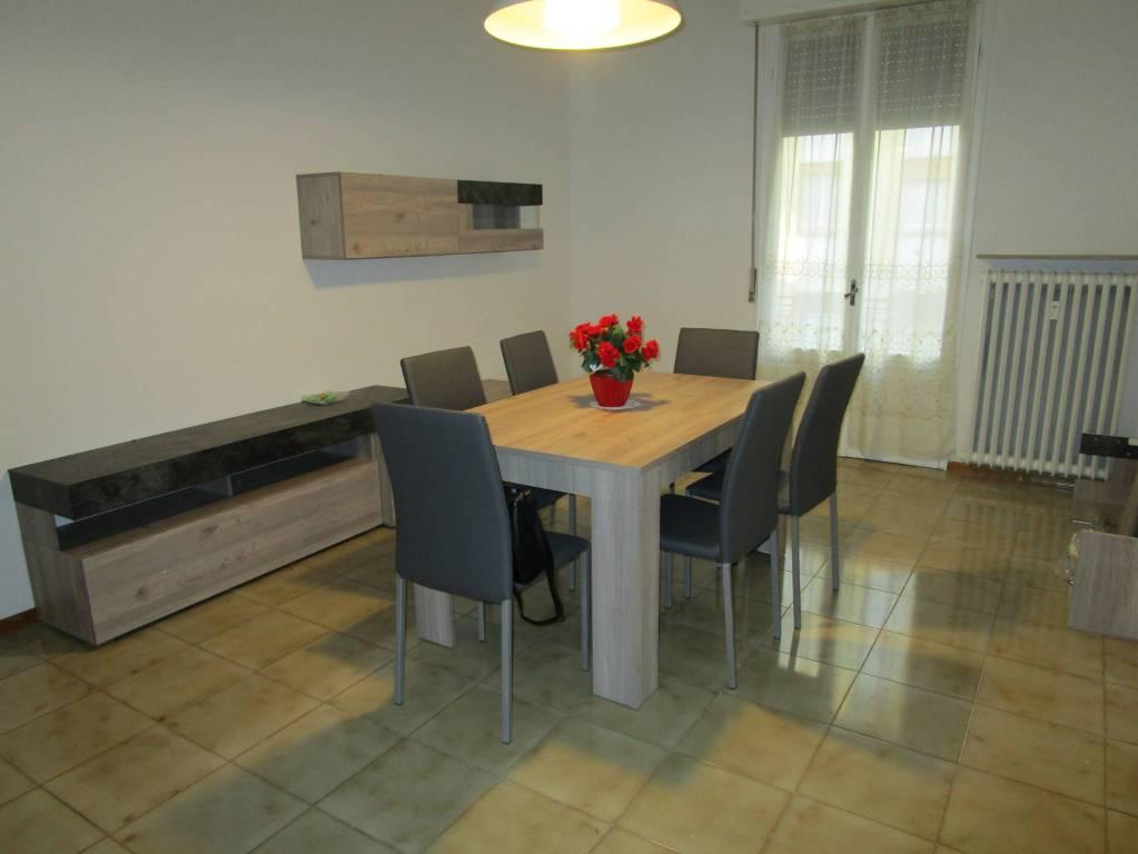 Appartamento in ottime condizioni arredato in affitto Rif. 9212408