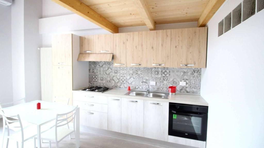 Appartamento arredato in affitto Rif. 9487831
