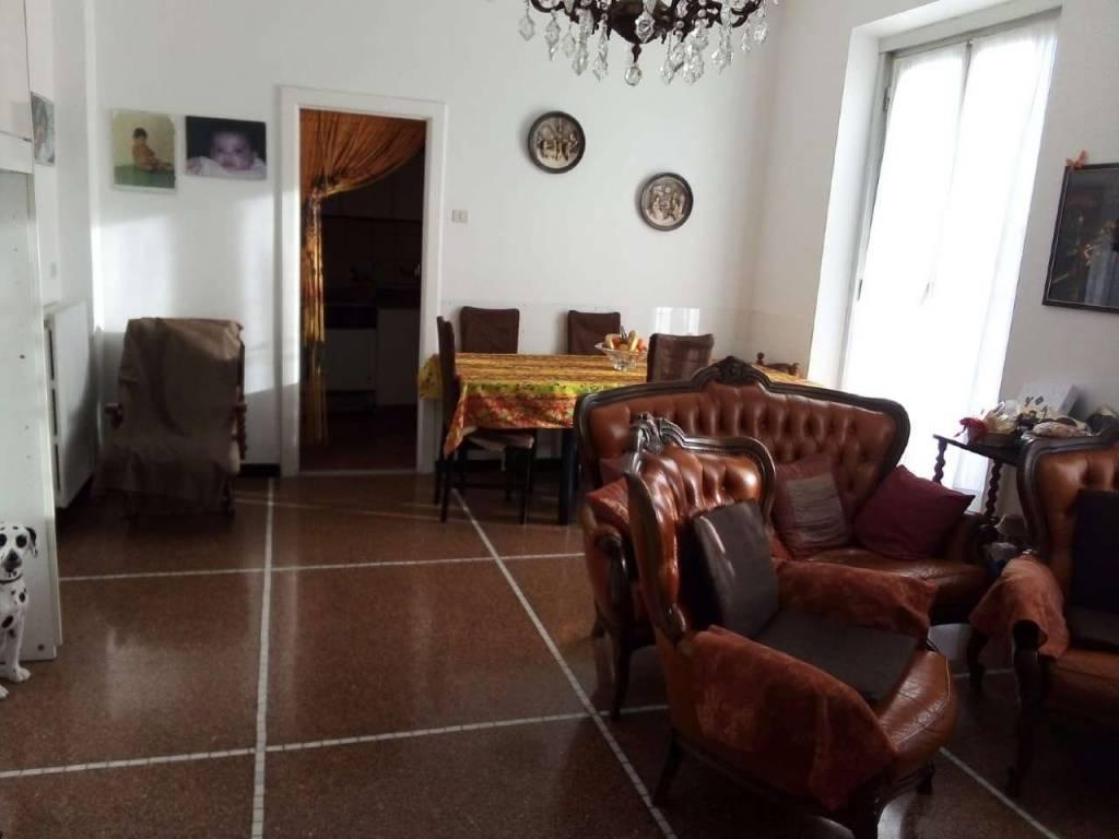 Appartamento in vendita a Cogoleto, 4 locali, prezzo € 230.000 | CambioCasa.it
