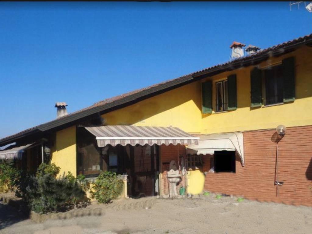 Rustico / Casale in vendita a Cavagnolo, 6 locali, prezzo € 95.000 | CambioCasa.it