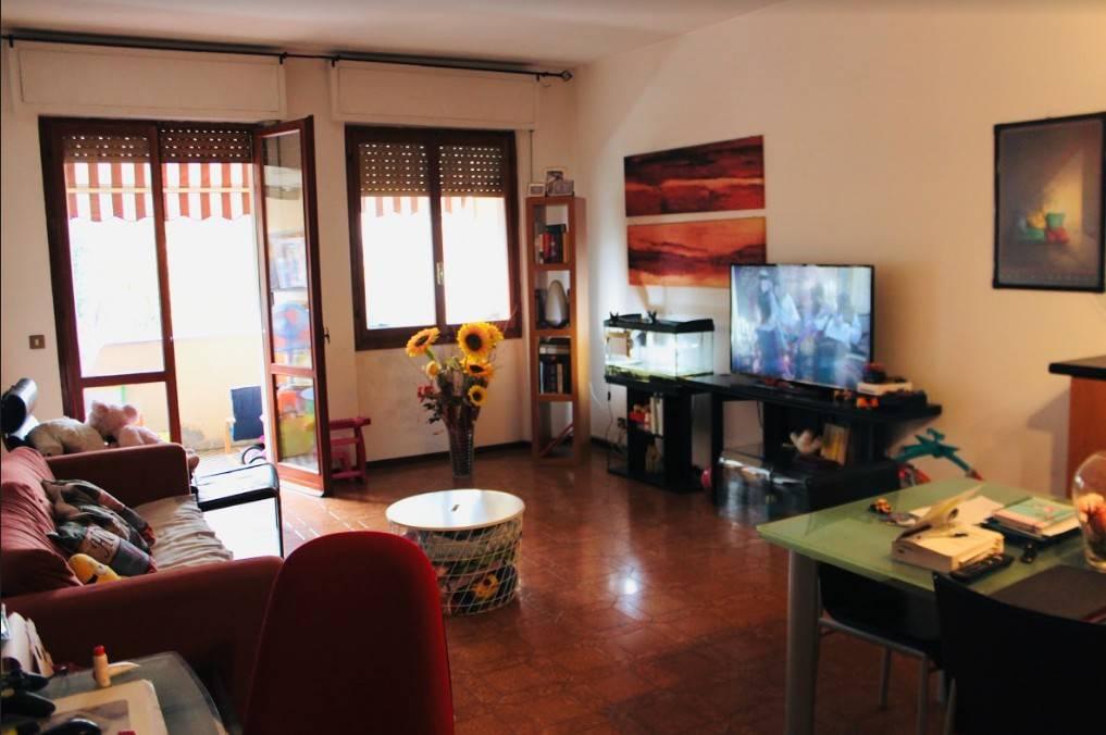 Appartamento in buone condizioni in vendita Rif. 9210051