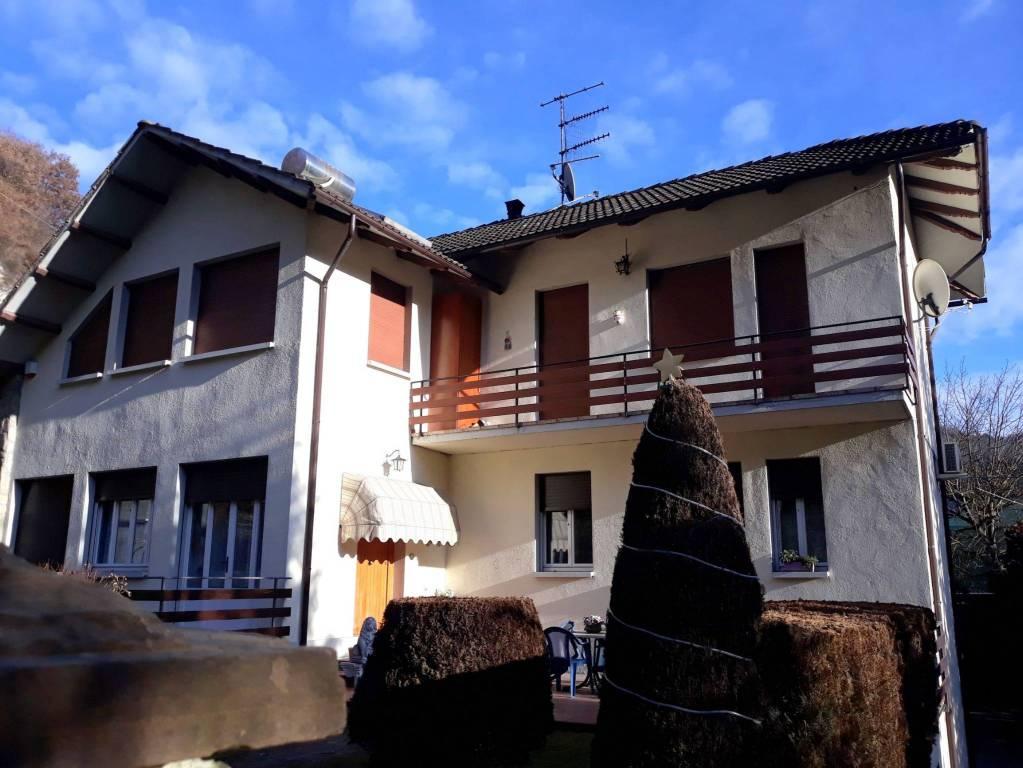 Appartamento in buone condizioni parzialmente arredato in vendita Rif. 9211932