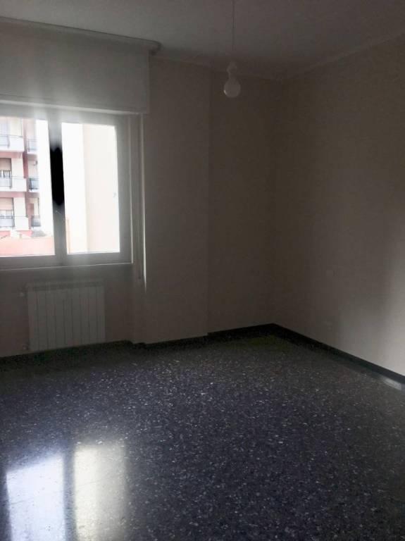 Appartamento in buone condizioni parzialmente arredato in affitto Rif. 9217542