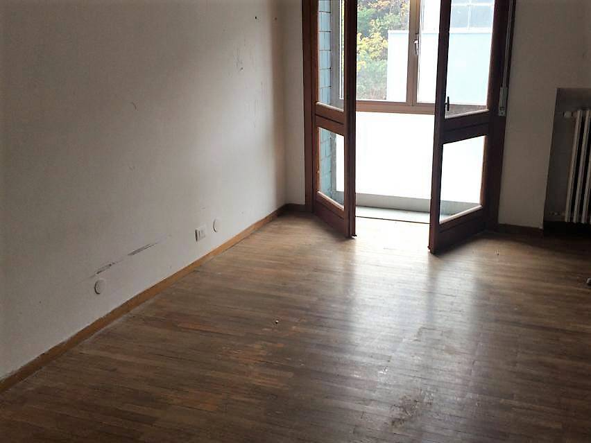 Appartamento in buone condizioni in affitto Rif. 9217543