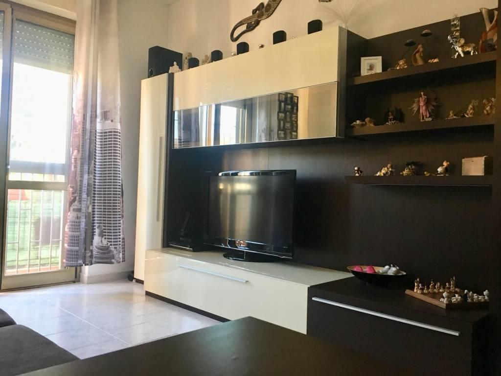 Salerano ampio bilocale con cucina abitabile e cantina