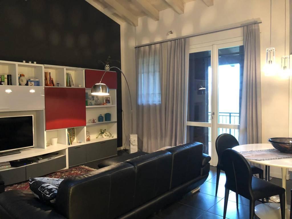 Appartamento in ottime condizioni in vendita Rif. 9213471