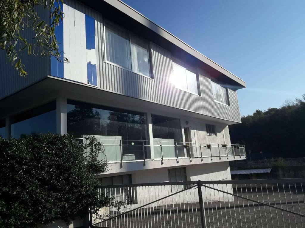 Negozio / Locale in vendita a Bizzarone, 10 locali, prezzo € 1.280.000 | PortaleAgenzieImmobiliari.it