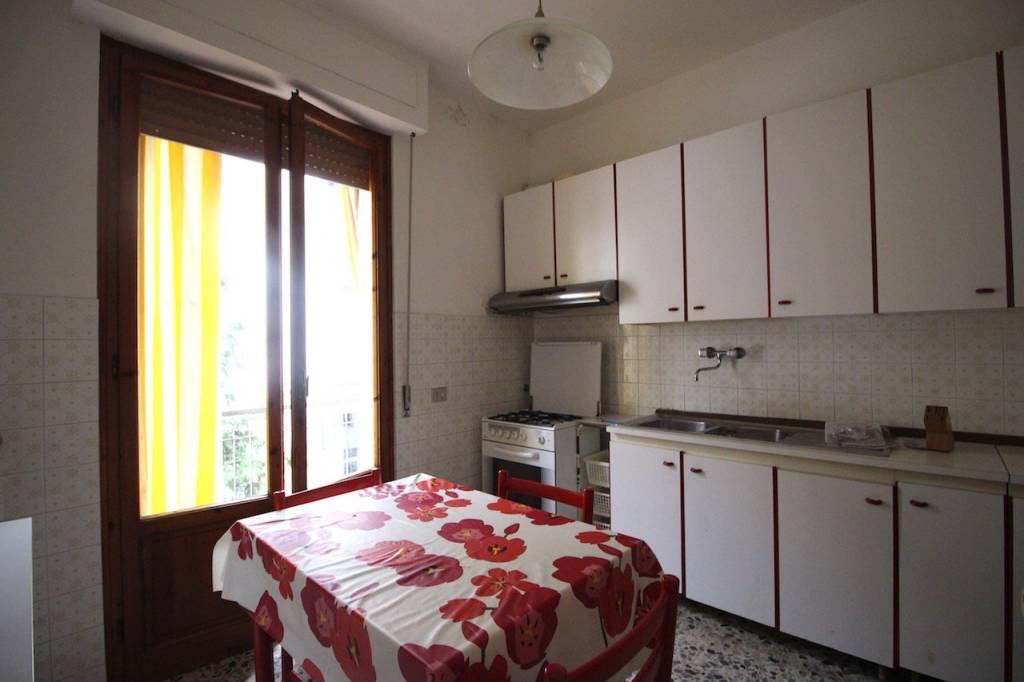 Appartamento in buone condizioni in vendita Rif. 9215384