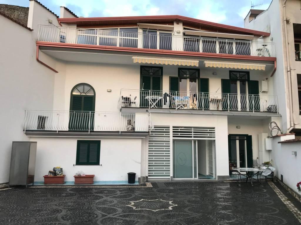 Villa in ottime condizioni in vendita Rif. 9210706
