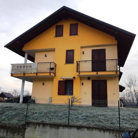 Appartamento in vendita a Levone, 4 locali, prezzo € 125.000 | CambioCasa.it