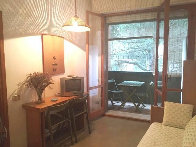 Appartamento in buone condizioni arredato in vendita Rif. 9225545
