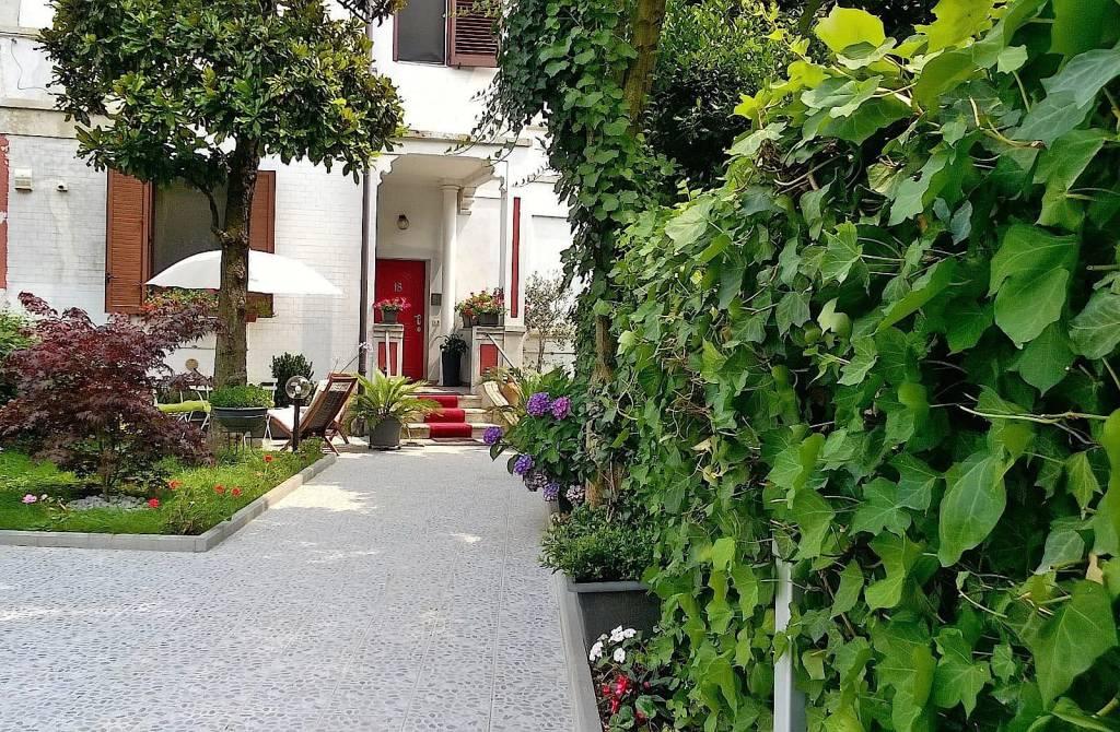 Villetta a schiera in ottime condizioni parzialmente arredato in vendita Rif. 9224870