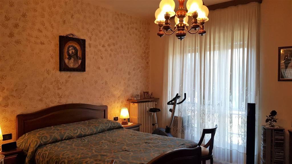 Appartamento in buone condizioni in vendita Rif. 9225736