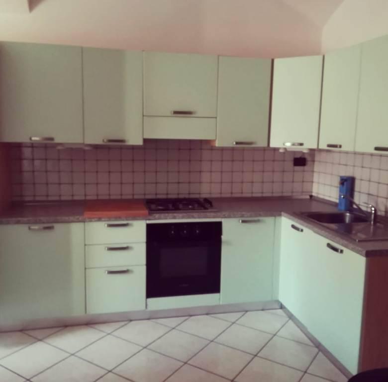 Appartamento in ottime condizioni arredato in affitto Rif. 9224974