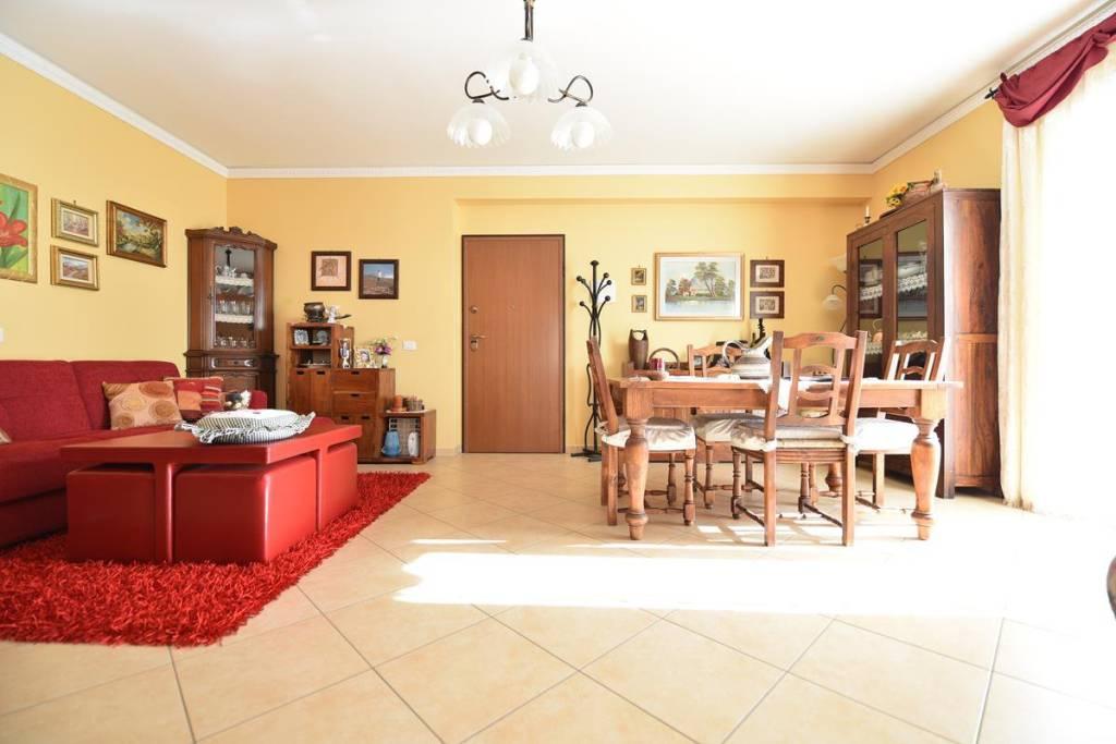 Appartamento in Vendita a San Pietro Clarenza Centro: 4 locali, 110 mq